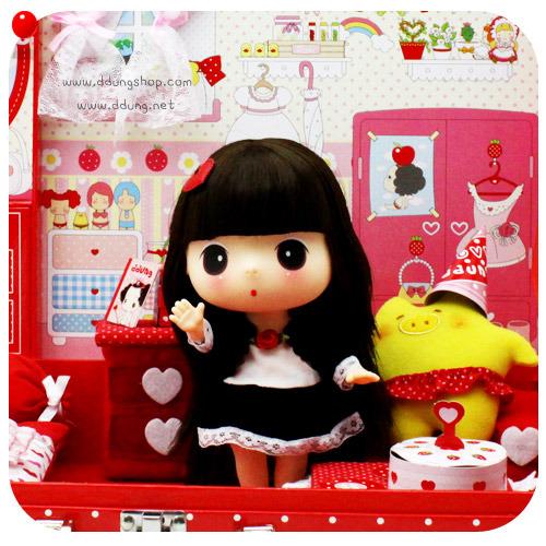 8ddung迷糊娃娃 套装   350元; 韩国正版ddung迷糊娃娃-手提箱式礼盒